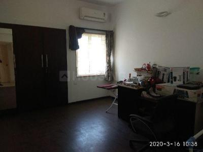 Gallery Cover Image of 2000 Sq.ft 3 BHK Apartment for rent in Thiruvanmiyur for 60000
