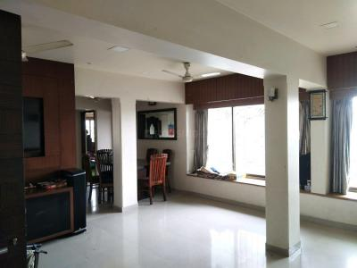 Gallery Cover Image of 2250 Sq.ft 4 BHK Apartment for rent in Andheri East for 100000