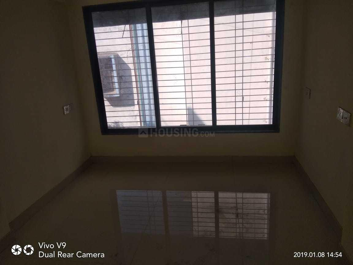 Living Room Image of 600 Sq.ft 1 BHK Apartment for rent in Kandivali West for 23000