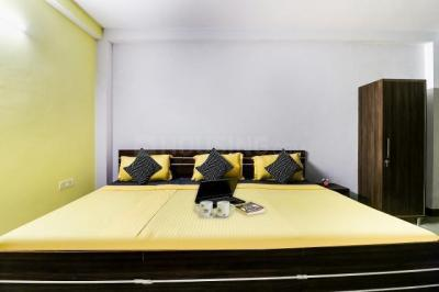 Bedroom Image of Oyo Life Grg1696 Sector 54 Metro in Sector 55