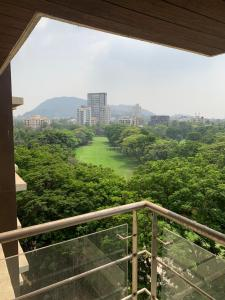 Gallery Cover Image of 1500 Sq.ft 3 BHK Apartment for rent in Ekta Panorama, Chembur for 110000