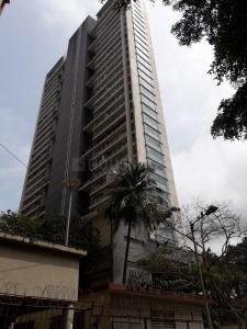 Gallery Cover Image of 1900 Sq.ft 4 BHK Apartment for buy in Goregaon West for 65000000