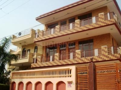 Gallery Cover Image of 1321 Sq.ft 2 BHK Independent Floor for rent in Sector 17 for 21000