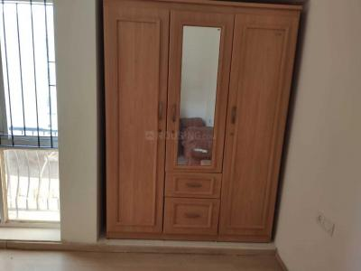 Gallery Cover Image of 1350 Sq.ft 2 BHK Apartment for rent in Thoraipakkam for 20000