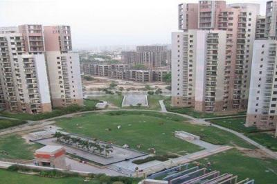 Gallery Cover Image of 2086 Sq.ft 3 BHK Apartment for buy in Unitech Uniworld Gardens, Sector 47 for 15500000