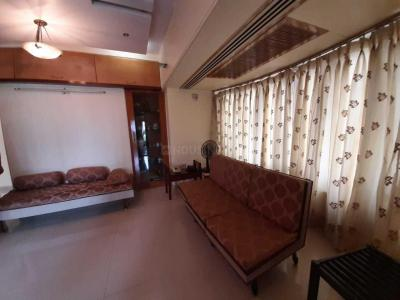 Gallery Cover Image of 1400 Sq.ft 3 BHK Apartment for rent in Surya Tower Apartment, Matunga East for 125000