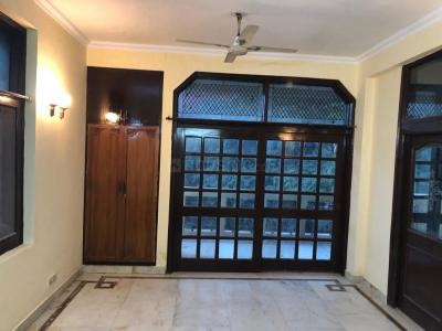 Gallery Cover Image of 1200 Sq.ft 2 BHK Independent Floor for rent in DLF Phase 2 for 32000
