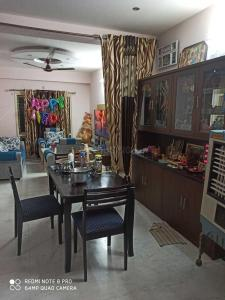 Gallery Cover Image of 1250 Sq.ft 2 BHK Apartment for rent in Jai Sairam Residency, Manikonda for 16000