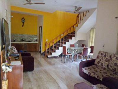 Gallery Cover Image of 4000 Sq.ft 4 BHK Independent House for rent in Sholinganallur for 60000