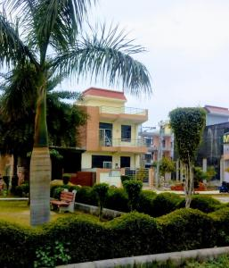 Gallery Cover Image of 1000 Sq.ft 3 BHK Villa for buy in Crossings Republik for 4600000