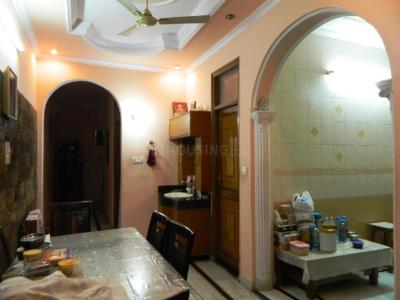 Gallery Cover Image of 1500 Sq.ft 3 BHK Independent Floor for rent in Vishnu Garden for 19000