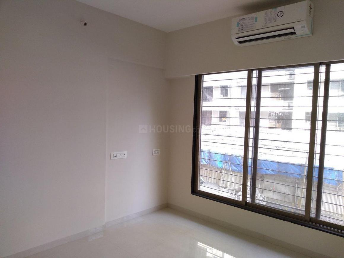 Living Room Image of 690 Sq.ft 1 BHK Apartment for rent in Kurla West for 28000