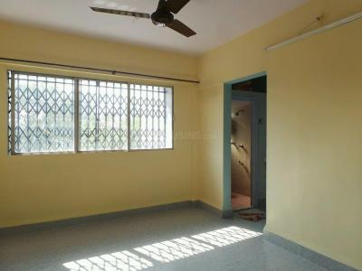 Gallery Cover Image of 700 Sq.ft 2 BHK Apartment for rent in Kandivali East for 22000