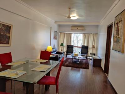 Gallery Cover Image of 800 Sq.ft 2 BHK Apartment for rent in Bandra West for 130000