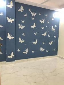Gallery Cover Image of 850 Sq.ft 3 BHK Independent Floor for rent in Kalkaji for 23000