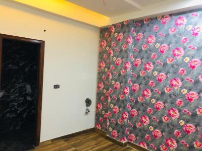 Gallery Cover Image of 880 Sq.ft 2 BHK Apartment for buy in Shakti Khand for 4000000