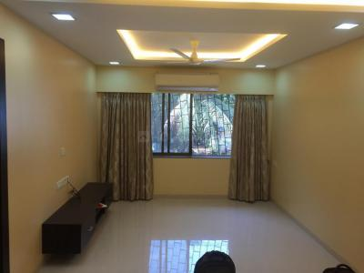 Gallery Cover Image of 950 Sq.ft 2 BHK Apartment for rent in Juhu for 80000