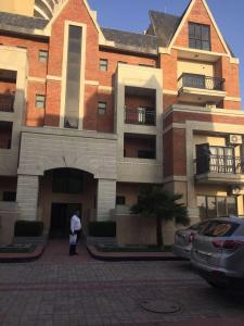 Gallery Cover Image of 1800 Sq.ft 3 BHK Villa for rent in Sector 108 for 23000