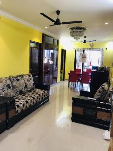 Gallery Cover Image of 1100 Sq.ft 3 BHK Apartment for rent in Korattur for 30000