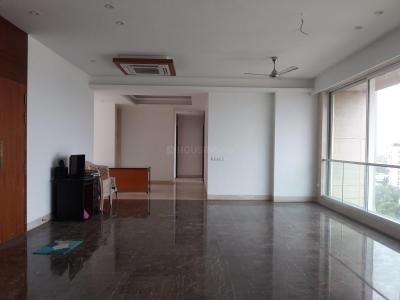 Gallery Cover Image of 5000 Sq.ft 5+ BHK Independent Floor for rent in Santacruz West for 475000