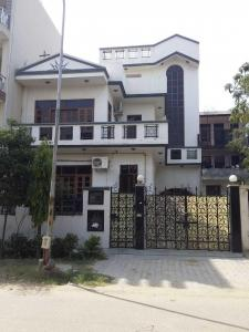 Gallery Cover Image of 3500 Sq.ft 5 BHK Independent House for buy in Phi III Greater Noida for 15000000