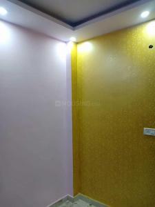 Gallery Cover Image of 300 Sq.ft 1 RK Independent Floor for buy in Uttam Nagar for 850000