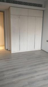 Gallery Cover Image of 2000 Sq.ft 3 BHK Apartment for rent in Bandra East for 185000