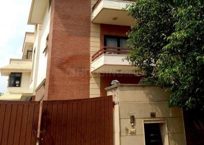 Building Image of Room Soom in Qutab Institutional Area
