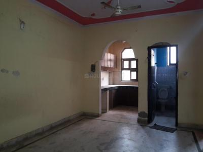 Gallery Cover Image of 720 Sq.ft 2 BHK Apartment for rent in Nawada for 9500