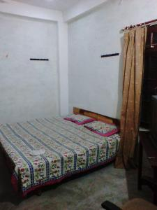 Gallery Cover Image of 450 Sq.ft 1 BHK Independent House for buy in Alambagh for 650000