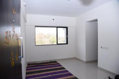 Gallery Cover Image of 800 Sq.ft 2 BHK Apartment for rent in Keemaya and MLH Vedic Heights, Kandivali East for 25000