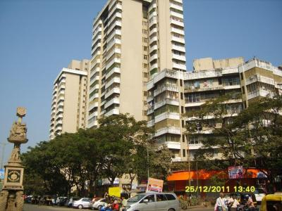 Gallery Cover Image of 1660 Sq.ft 3 BHK Apartment for rent in Kandivali East for 55000