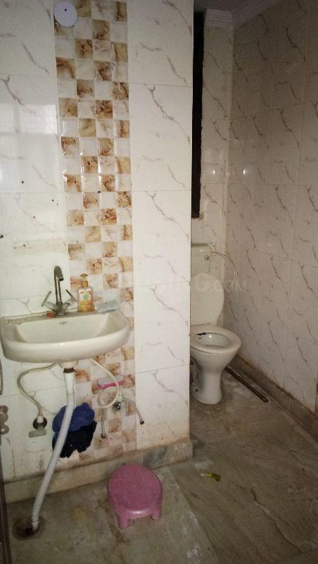 Common Bathroom Image of 900 Sq.ft 2 BHK Independent Floor for rent in Sector 19 Dwarka for 13500