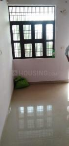 Gallery Cover Image of 900 Sq.ft 1 BHK Independent Floor for rent in Sector 62 for 5000