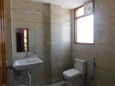 सेक्टर 23 में नेस्टईज़ी होम्स के बाथरूम की तस्वीर