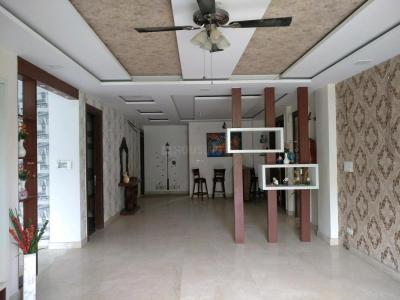 Gallery Cover Image of 3000 Sq.ft 4 BHK Independent Floor for rent in Sushant Lok I for 60000
