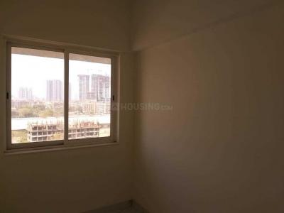 Gallery Cover Image of 712 Sq.ft 1 BHK Apartment for rent in Raheja Ridgewood, Goregaon East for 40000