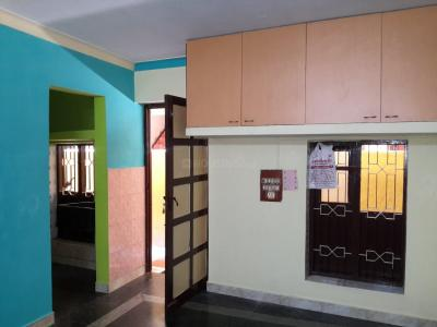 Gallery Cover Image of 550 Sq.ft 1 BHK Apartment for rent in Valasaravakkam for 7500