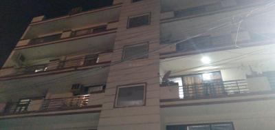Gallery Cover Image of 800 Sq.ft 2 BHK Independent Floor for buy in Sarita Vihar for 4000000