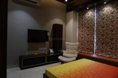 Gallery Cover Image of 1435 Sq.ft 3 BHK Apartment for buy in Orbit Ashwa, Mominpore for 10188500