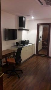 Gallery Cover Image of 650 Sq.ft 1 RK Apartment for rent in Sector 49 for 35000