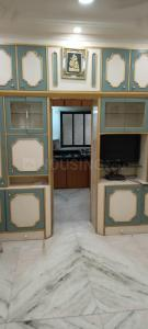 Gallery Cover Image of 240 Sq.ft 1 RK Apartment for rent in Adarsh Nagar, Worli for 23000