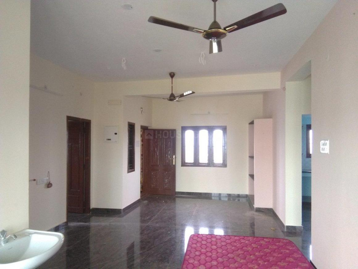 Living Room Image of 1200 Sq.ft 2 BHK Independent Floor for rent in Selaiyur for 9500