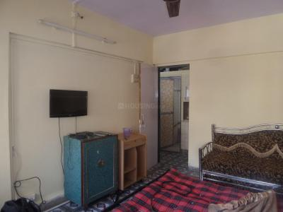 Gallery Cover Image of 350 Sq.ft 1 RK Apartment for rent in Sky View Apartments, Andheri East for 19000