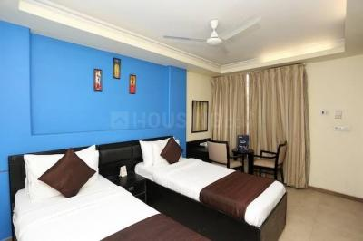 Gallery Cover Image of 1200 Sq.ft 4 BHK Apartment for rent in Sarita Vihar for 40000