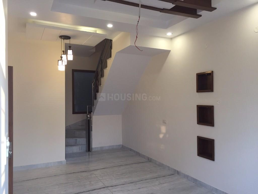 Living Room Image of 1700 Sq.ft 3 BHK Independent House for buy in Mappedu for 7200000