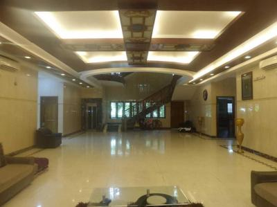Gallery Cover Image of 15000 Sq.ft 10 BHK Independent House for buy in K A Manshoor's, Valasaravakkam for 150000000