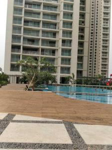 Gallery Cover Image of 1704 Sq.ft 3 BHK Apartment for buy in GeeCee Cloud 36 Phase I, Ghansoli for 28500000