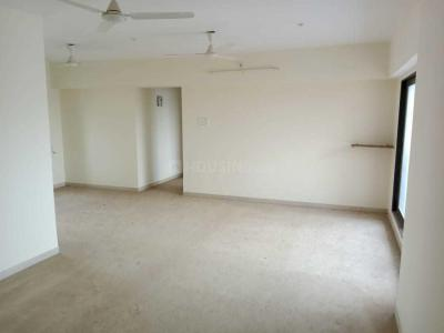 Gallery Cover Image of 1750 Sq.ft 3 BHK Apartment for buy in Lashkaria Green Height, Andheri West for 31000000