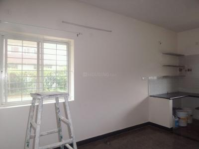 Gallery Cover Image of 800 Sq.ft 2 BHK Apartment for rent in J. P. Nagar for 12500